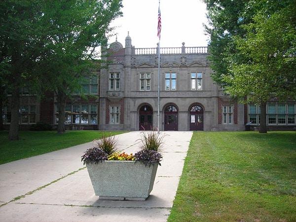 Abraham_Lincoln_High_School_(Des_Moines)