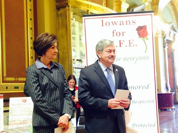 Terry-Branstad-Kim-Reynolds-Rally-for-Life