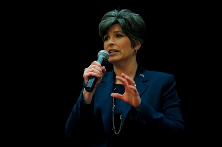 Joni Ernst at NICHE Homeschool Day at the Capitol