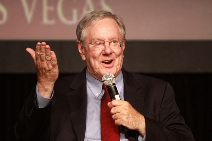 800px-Steve_Forbes_at_FreedomFest,_Las_Vagas,_Navada,_USA-12July2013