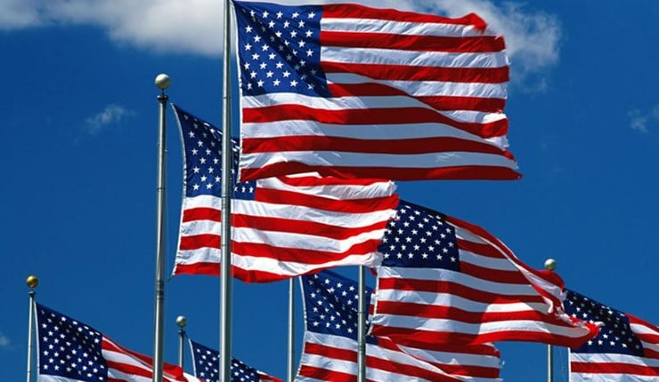 american-flag-under-the-sky